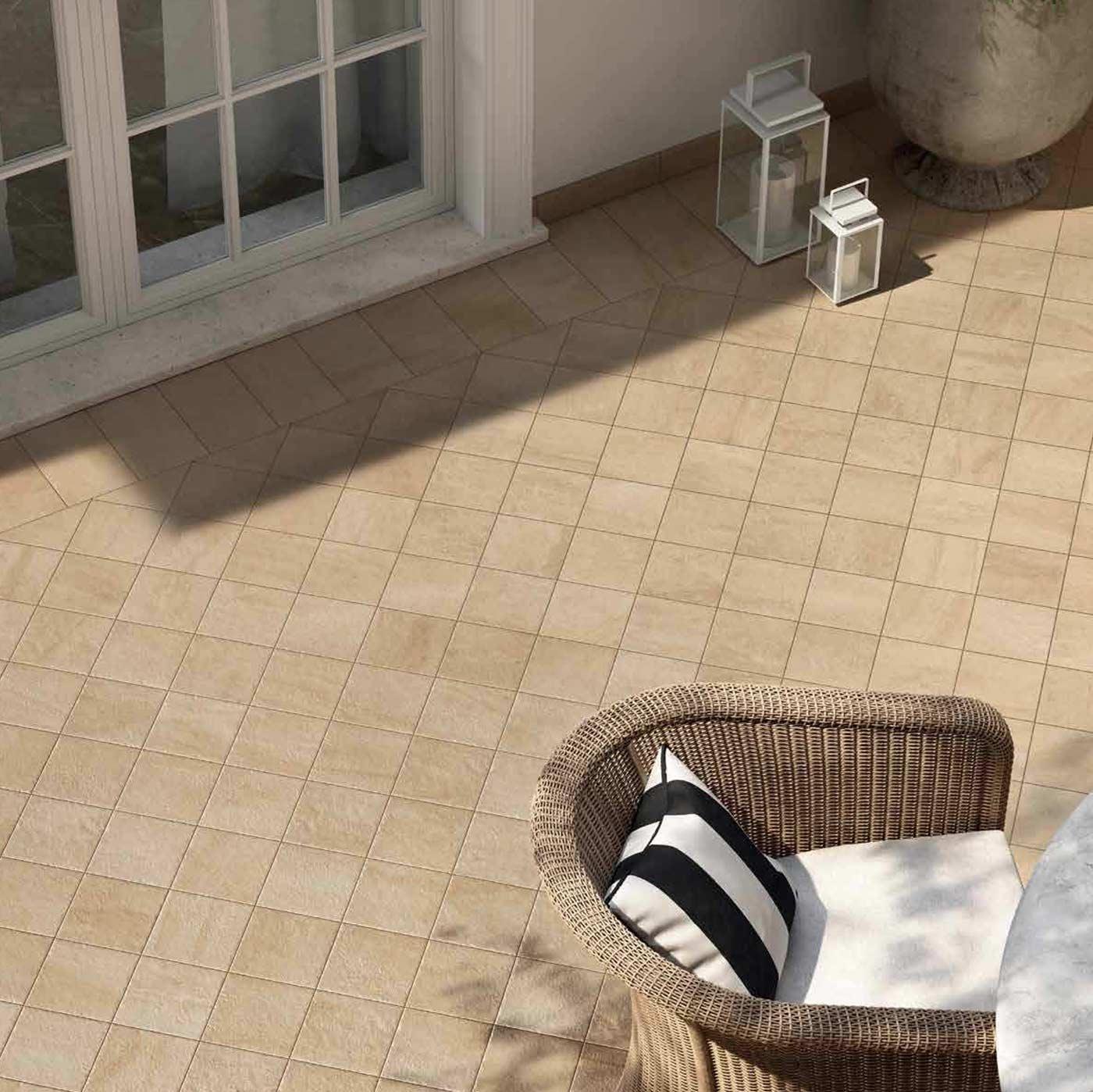 <em>Exterior</em></br>Home Tiles